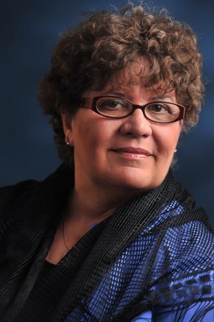 Carol Bachofner headshot