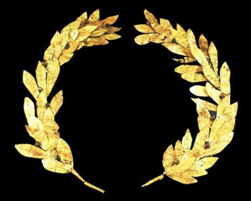 Golden laurel wreath, probably from Cyprus, 4th/3rd century BC; Reiss-Engelhorn-Museen, Mannheim, Germany, photographed by Andreas Praefcke in April, 2007.
